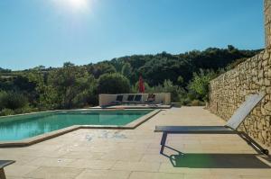Vakantiehuis  - : Villa Les Dentelles