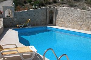Vakantiehuis  - : Villa Stella