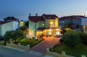 Vakantiehuis  - : Apartman Vanja 1