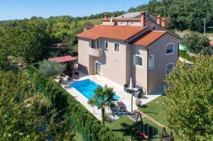 Vakantiehuis  - : Villa Dani