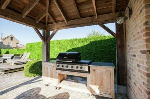 Vakantiehuis  - : Villa de Luxe