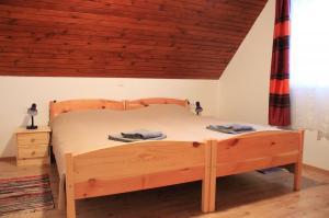 Vakantiehuis  - : Apartments Bor 3