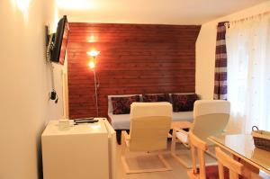 Vakantiehuis  - : Apartments Bor 6